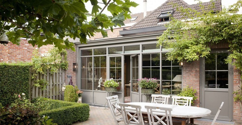 tout savoir sur l 39 achat d 39 une v randa pergola abri de terrasse guide v randa. Black Bedroom Furniture Sets. Home Design Ideas